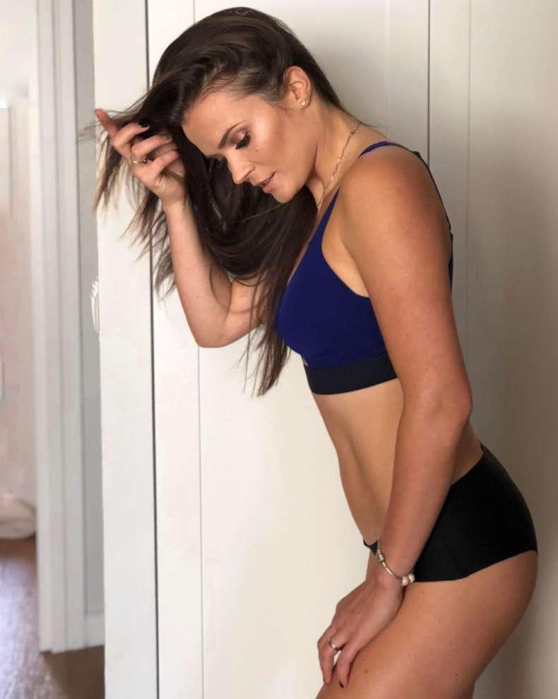Trening brzucha i czy ćwiczenia na brzuch w domu działają?